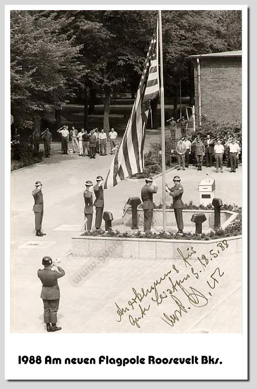 Am neuen Flagpole in Roosevelt Barracks